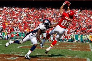 Tony Gonzalez vs. Broncos (Getty)