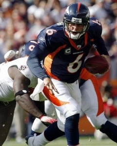 Jay Cutler vs. Buccaneers (AP Photo)