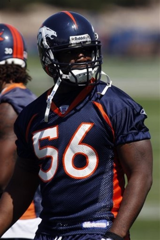 how tall is robert ayers