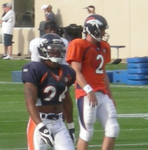 Denver Broncos Jack Williams and Chris Simms practice during the team's 2009 training camp.  (BroncoTalk/Kyle Montgomery)