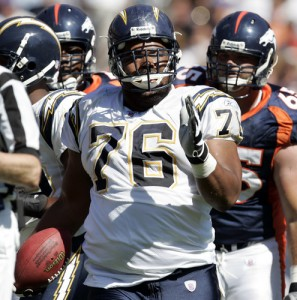 Jamal Williams, seen here with the San Diego Chargers in 2005, has signed a three-year deal with the Denver Broncos.  (Photo by K.C. Alfred U-T)