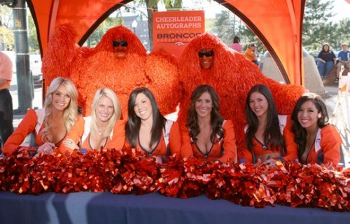 Cheerleaders on Orange Sunday