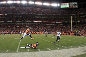 Jacoby Jones burns the Denver Broncos defense for the game tying touchdown. (Photo by Doug Pensinger/Getty Images)